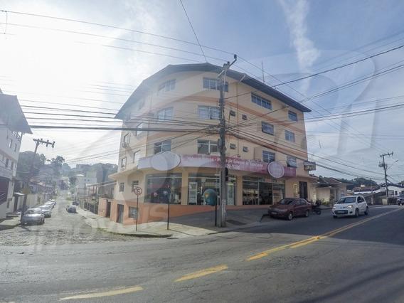 Sala Comercial Com Aproximadamente 60 M², No Bairro Água Verde. - 3571452