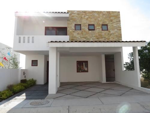 Amplia Casa En Cumbres Del Lago 5 Recámaras Con Baño C/u