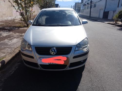 Imagem 1 de 10 de Volkswagen Polo 2010 1.6 Vht Total Flex I-motion 5p