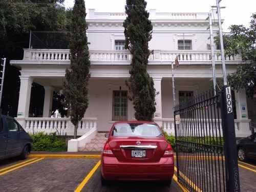 Casa En Excelente Ubicación