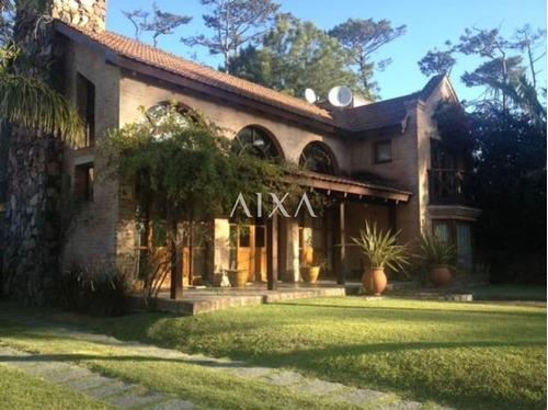Casa En Pinares- Ref: 205