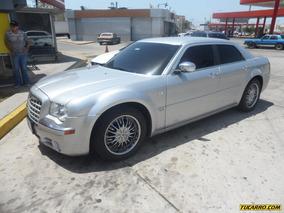 Chrysler 300 C .