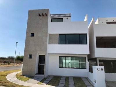 Se Vende Hermosa Casa En San Isidro Juriquilla