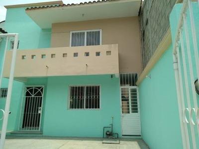Se Renta Casa En Fraccionamiento La Gloria, En Zona Tranquila Del Poniente