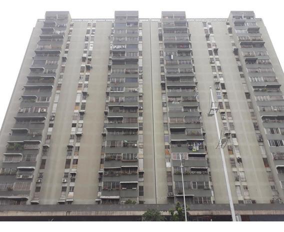 Apartamento En La Candelaria (mls) Mls #19-18290