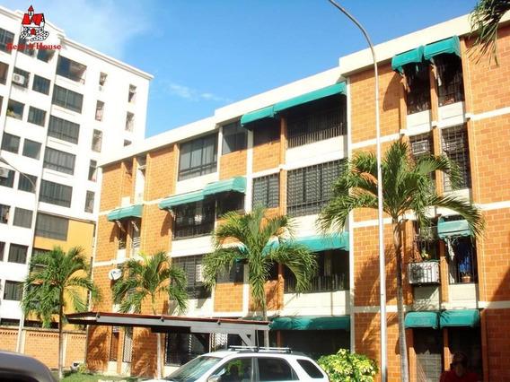 Apartamento En Venta Urb Bosque Alto Maracay 20-5971 Mv