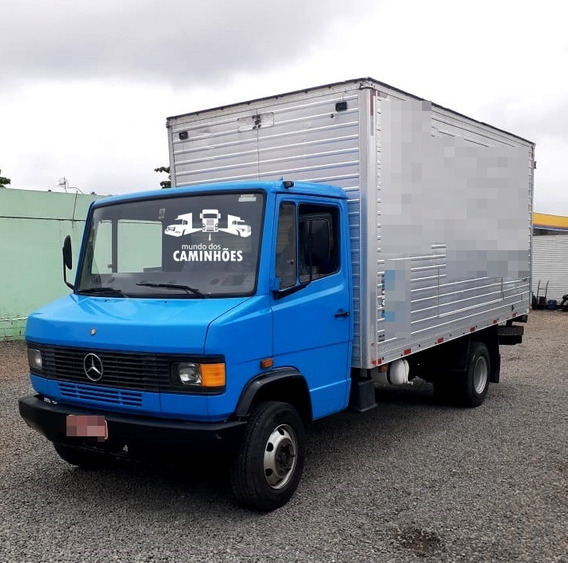 Mercedes-benz 710 Com Baú