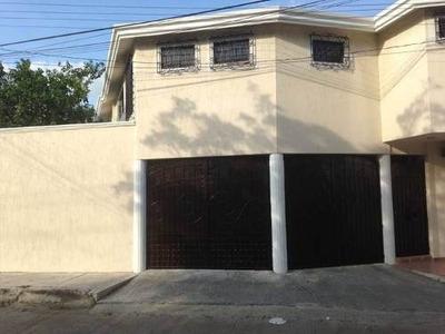 Se Vende Casa En Av. Del Mar