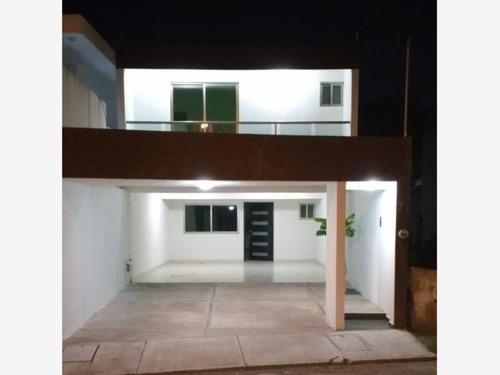Casa Sola En Venta Adalberto Tejada