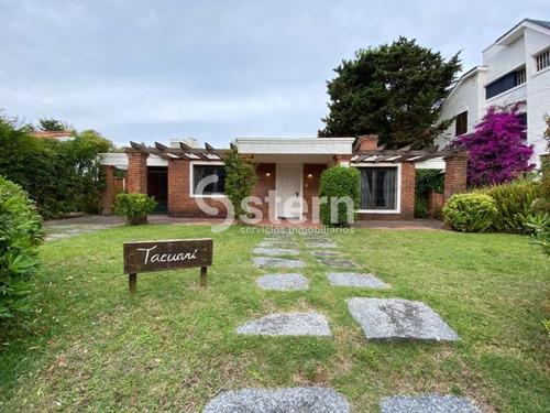 Venta Casa 3 Dormitorios, Rincon Del Indio, Punta Del Este- Ref: 230