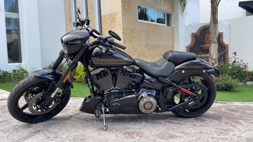 Imagen 1 de 12 de Harley Davidson Breakout Cvo