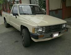 Toyota Hilux 86