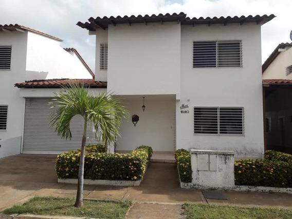 Vendo Townhouse En Isla Bonita Sector El Tiamo