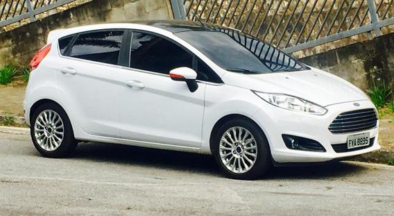 Fiesta Hatch 1.6l Titaniun 2015