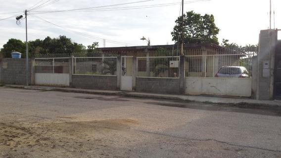 Casa En Venta El Cuji Barquisimeto Lara 20-3102 Rahco