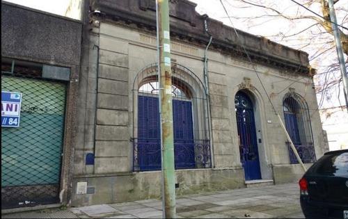 Casa De 4 Ambientes En Venta En Chacarita