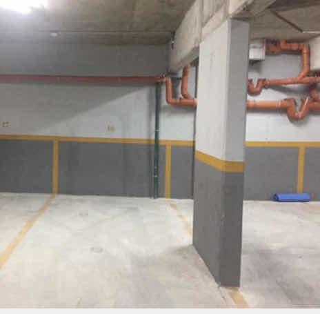 Santiago De Chile Y Maldonado Garage En Edificio Moderno