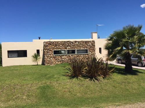 Venta Casa En Altos De La Tahona