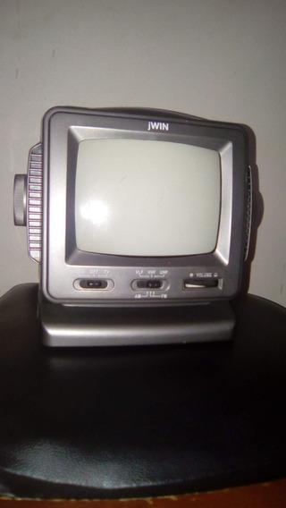 Televisor Radio Portatil - Jwin
