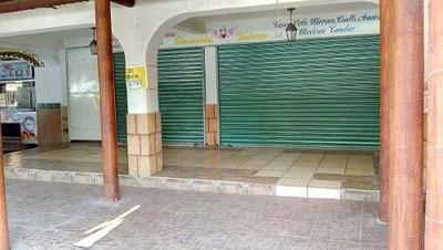 Excelente Local Centro De Huatulco Super Ubicado Primer Piso