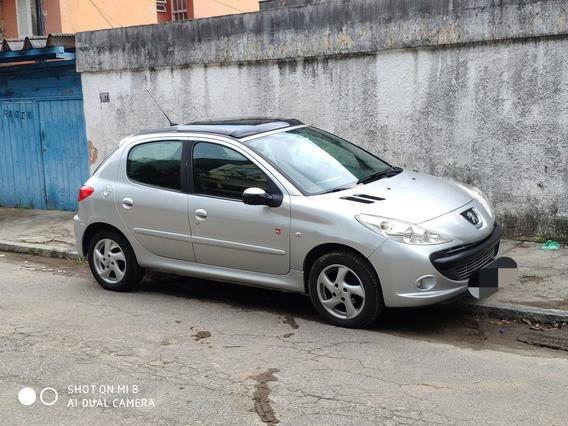 Peugeot 207 1.4 Quiksilver Flex 5p 2010