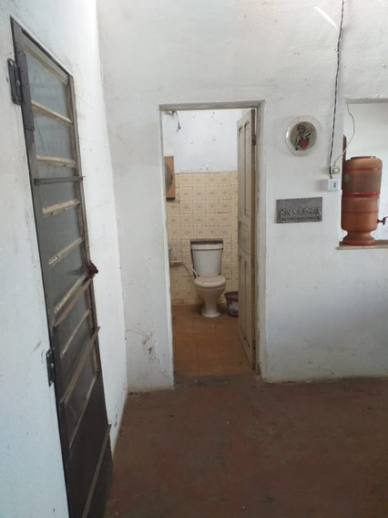 Lote 360m² E Casa Simples De 02 Quartos, Com 04 Vagas De Garagem. - 4966