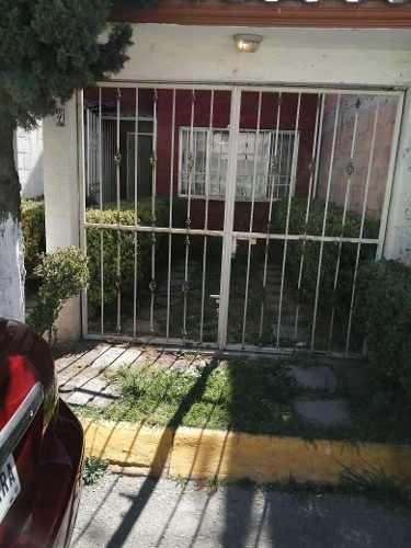 Casa En Paseos De Ecatepec, Guadalupe Victoria.