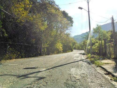 Bonito Terreno Residencial Condominal Sobre Calle Principal 2 Frentes Con Servicio