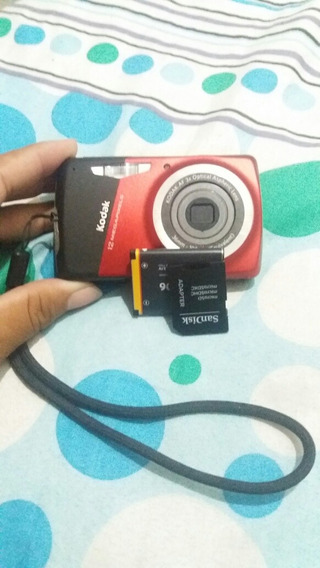 Máquina Fotográfica Kodak 12 Mega Pixels