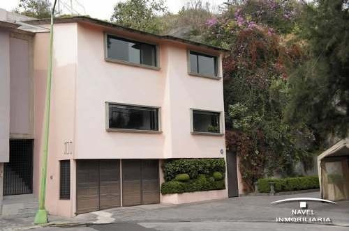 Acogedora Residencia, Ubicada En Zona Exclusiva, Cav-3620