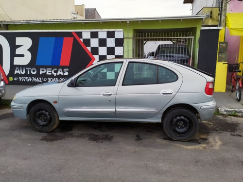 (18) Sucata Renault Megane 2003 1.6 16v (retirada Peças)