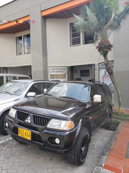 Mitsubishi Nativa Automatica 4x4