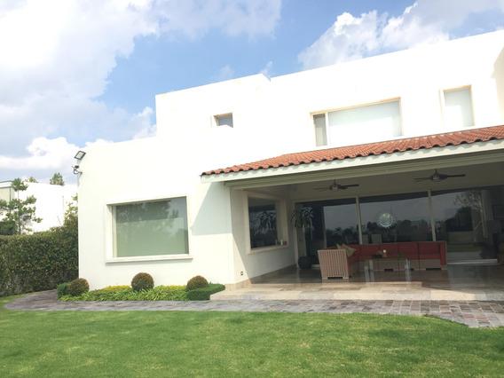 Casa En Venta En El Campanario