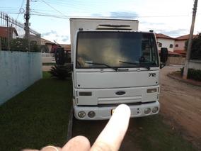 Caminhão Ford Cargo 712