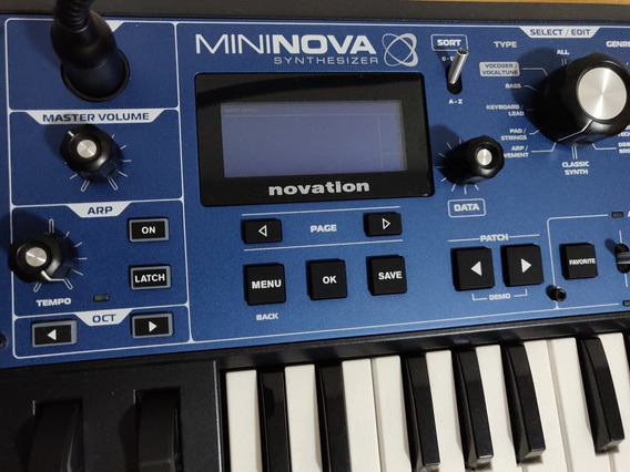Teclado Mininova Novation Sintetizador C/ Mic