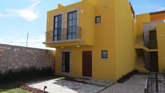 Casa En Venta En Zirandaro, San Miguel Allende, Rah-mx-20-412