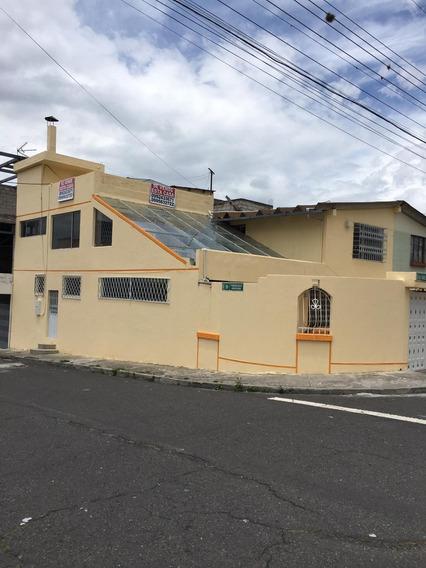 Casa Con Área Húmeda ( Sauna, Turco, Piscina), Tres Plantas