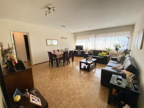 En Venta Amplio Apartamento De 3 Dormitorios En El Centro