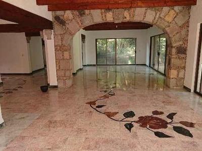 En Renta Residencia Colonial Con Jardín Privado En La Carolina, Cuernavaca