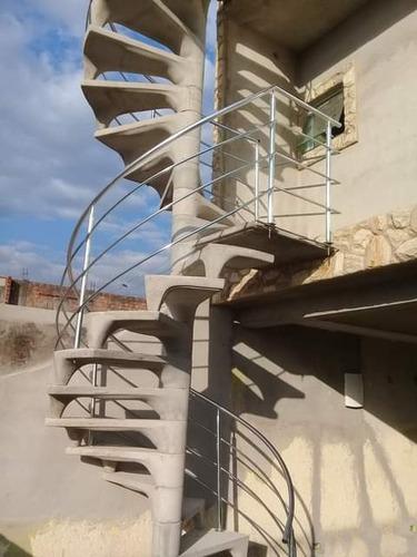 Trabalhamos Com Escada E Corrimões