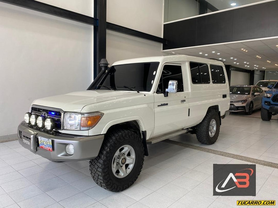 Toyota Macho 4ptas
