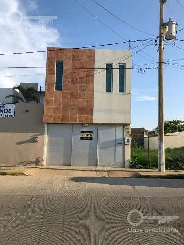 Casa En Venta, Juventino Rosas, Col. Guadalupe Victoria