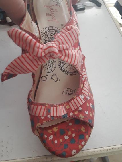 Sandalias Importadas Usa - 9m - Floreadas Con Fondo Rojo