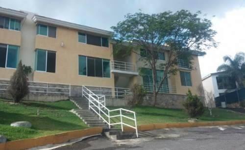 Departamento En Renta En Las Cañadas (123)