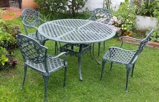 Juego De Jardin Chateaux Aluminio - Mesa Redonda + 4 Sillas