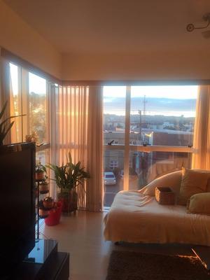 Apartamento Em Morro Do Espelho Com 3 Dormitórios - Li261036