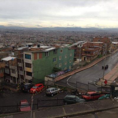 Espectacular Casa Economica - Bogotá