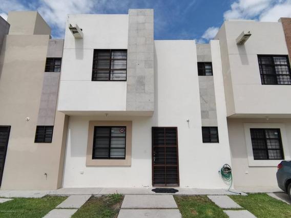 Casa En Venta En Rincones Del Marques, El Marques, Rah-mx-21-83