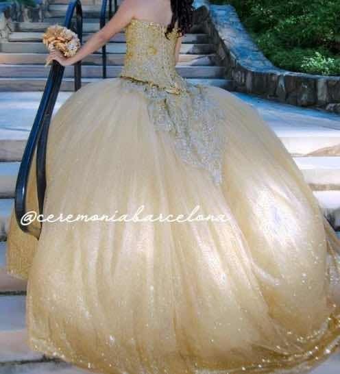 Vestido De Xv Años Dorado Marca Ragazza