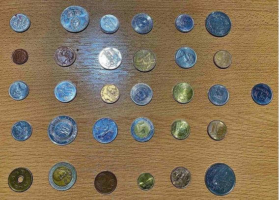 Lote De Monedas Varias Del Mundo Antiguas